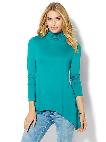 Manhattan Tee - Shirred Sharkbite Turtleneck  - New York & Company