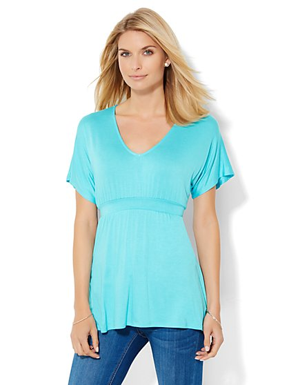 Manhattan Tee - Tie-Waist V-Neck Tee - New York & Company