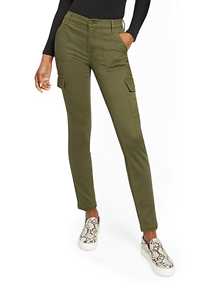 Olive High-Waisted Twill Cargo Pant - New York & Company