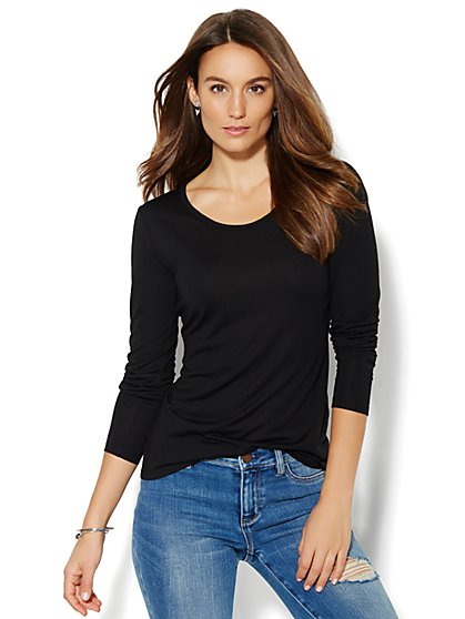 Scoopneck Long-Sleeve Tee - New York & Company