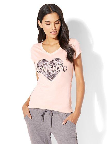 "Sequin ""Love NYC"" Graphic Logo Tee - New York & Company"