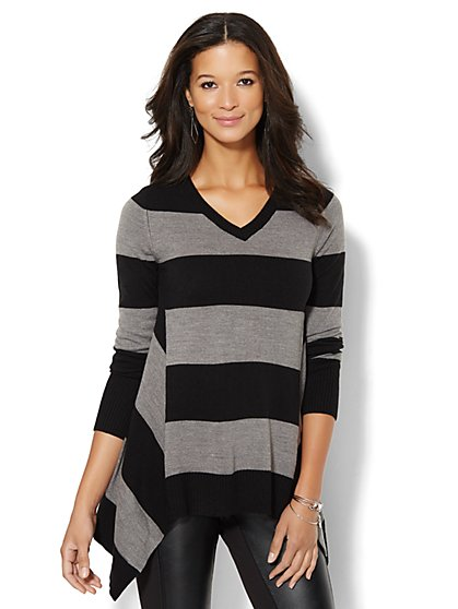 Sharkbite V-Neck Sweater - Stripe - New York & Company