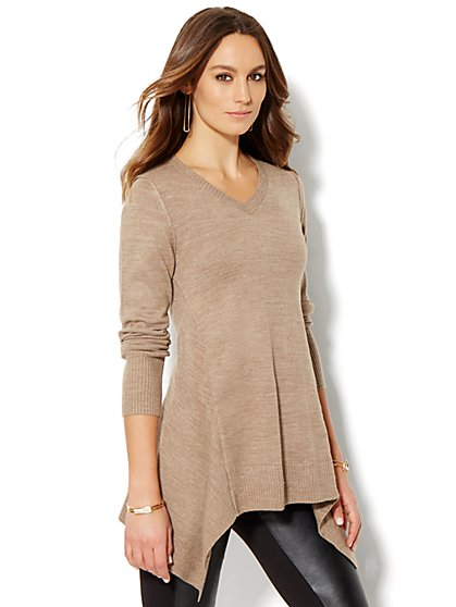 Sharkbite V-Neck Sweater - New York & Company