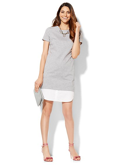 Shirttail-Hem Short-Sleeve Dress - Black & White Grid Print  - New York & Company