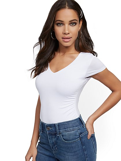 Short-Sleeve Side-Ruched Top - New York & Company