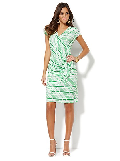 Side-Ruffle Wrap Dress - Graphic   - New York & Company
