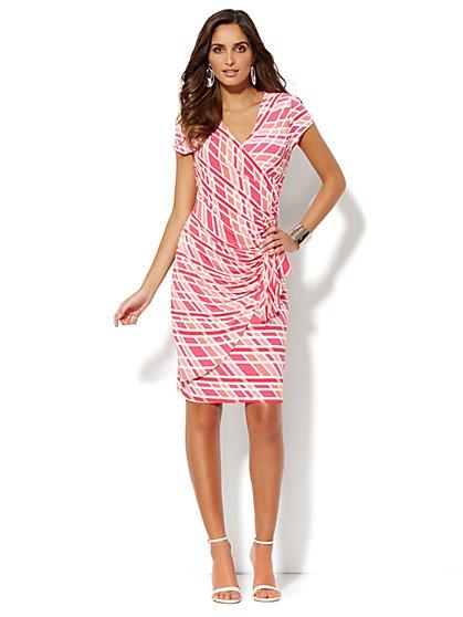 Side-Ruffle Wrap Dress - Graphic   - New York & Company