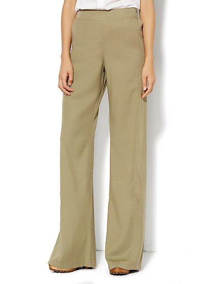 Soft Wide-Leg Pant - Union Square Green  - New York & Company