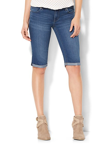 "Soho Jeans - 13"" Curve-Creator Short - Driven Blue Wash - New York & Company"