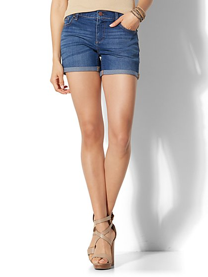 "Soho Jeans - 4"" Short - Force Blue Wash - New York & Company"