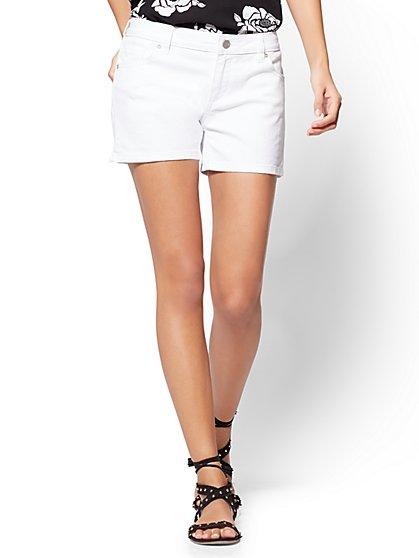 """Soho Jeans - 4"""" Short - White - New York & Company"""