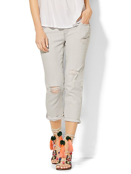 Soho Jeans  Boyfriend Crop - Luna Grey Wash  - New York & Company