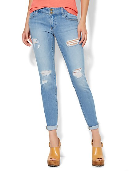 Soho Jeans Boyfriend - Destroyed - Snowflake Blue Wash - New York & Company
