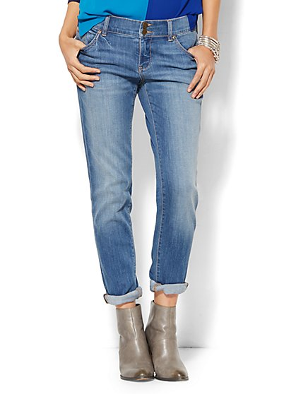 Soho Jeans - Boyfriend - Zip Accents - Goldstone Blue Wash  - New York & Company