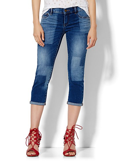 Soho Jeans Crop SuperStretch Legging - Capsule Blue Wash  - New York & Company