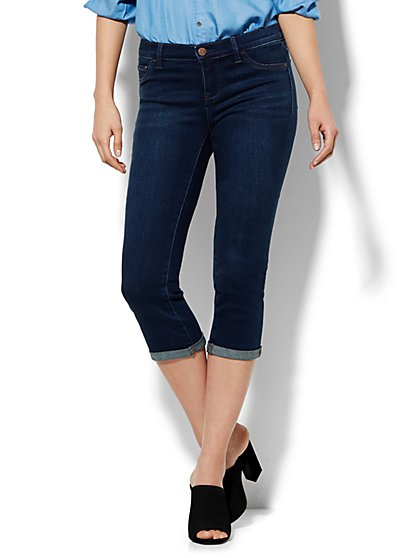 Soho Jeans Crop SuperStretch Legging - Highland Blue Wash  - New York & Company