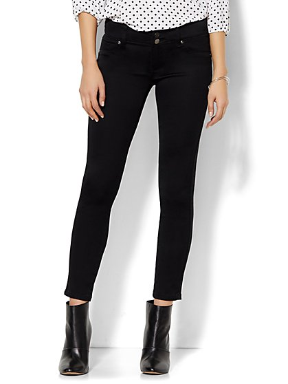 Soho Jeans - Curve Creator Ankle Legging - Black  - New York & Company