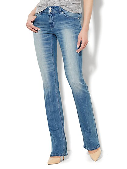 Soho Jeans - Curve Creator Bootcut - Diamond Blue Wash - Petite - New York & Company