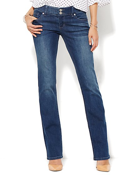 Soho Jeans - Curve Creator Bootcut - Driven Blue Wash - Petite  - New York & Company