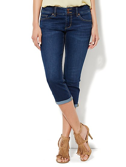 Soho Jeans - Curve Creator Crop Legging - Bayside Blue Wash  - New York & Company