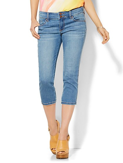 Soho Jeans - Curve Creator Crop Legging - Blue Mink Wash  - New York & Company