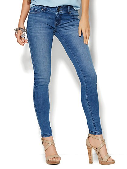Soho Jeans - Curve Creator Legging - Heights Blue Wash - Petite  - New York & Company