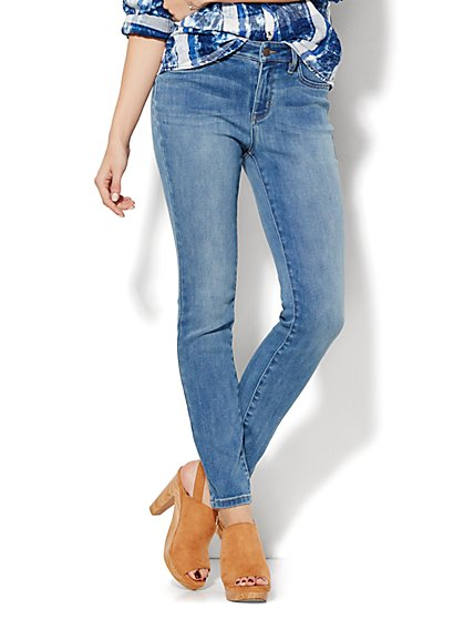 Soho Jeans - Curvy Ankle SuperStretch Legging - Blue Mink Wash - New York & Company