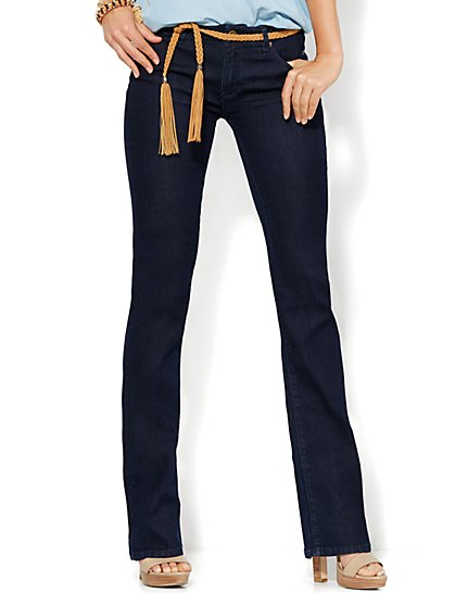 Soho Jeans - Curvy Bootcut - Dark Midnight Wash - Petite  - New York & Company