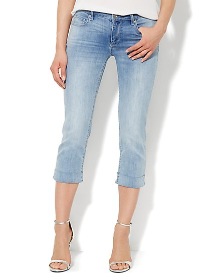Soho Jeans - Curvy Crop - Iceberg Blue Wash  - New York & Company