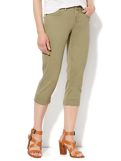 Soho Jeans - Curvy Crop - Union Square Green  - New York & Company