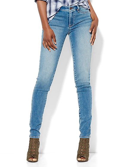Soho Jeans - Curvy Legging - Stargaze Blue Wash - Petite  - New York & Company