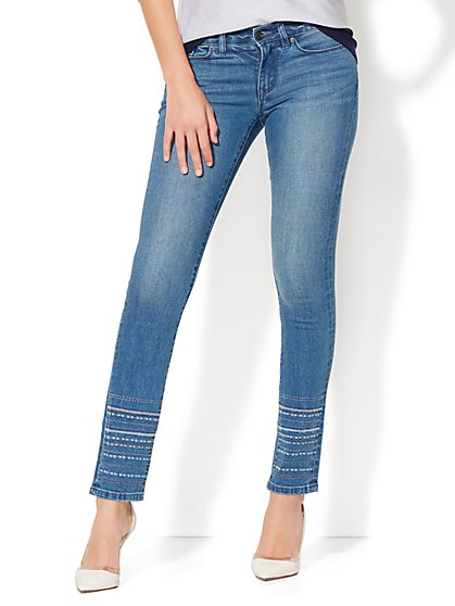 Soho Jeans - Embroidered-Hem Skinny - Blue Charmer Wash - New York & Company