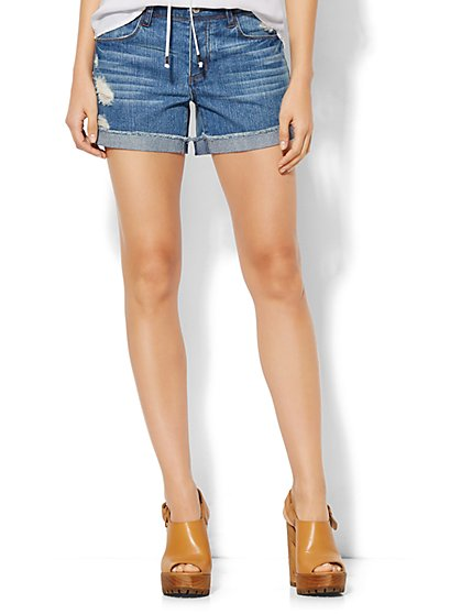 Soho Jeans - Frayed Boyfriend Short - Blue Mink Wash  - New York & Company
