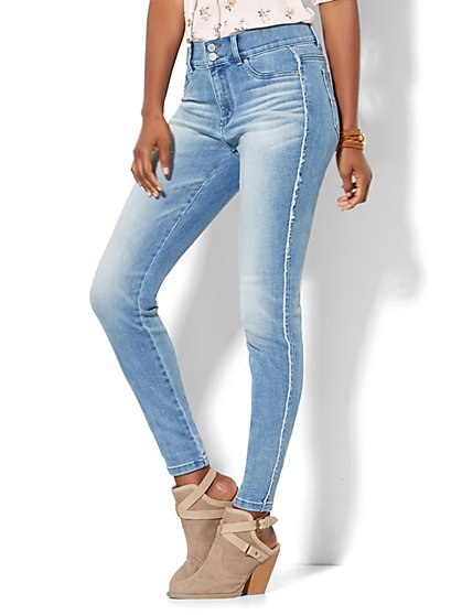 Soho Jeans - Frayed High-Waist  Superstretch Legging - Unstoppable Blue Wash  - New York & Company