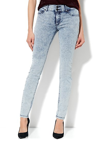 Soho Jeans High-Waist Legging - Acid Wash - New York & Company
