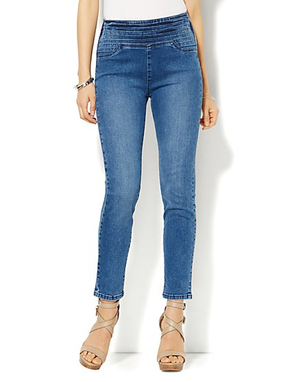 Soho Jeans - Jennifer Hudson High-Waist Ankle Legging - Weekend Blue Wash  - New York & Company