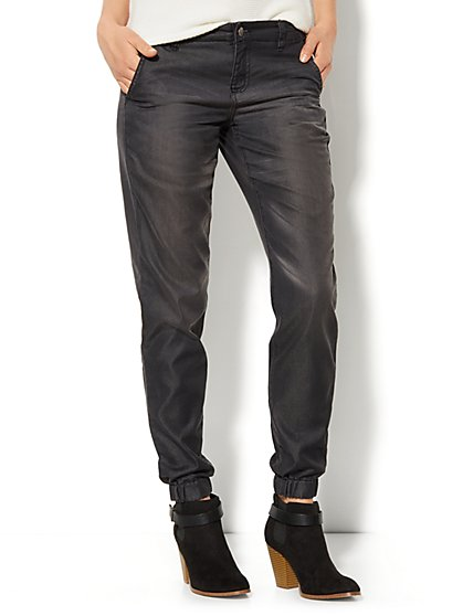 Soho Jeans - Jogger - Smokey Diamond Wash  - New York & Company
