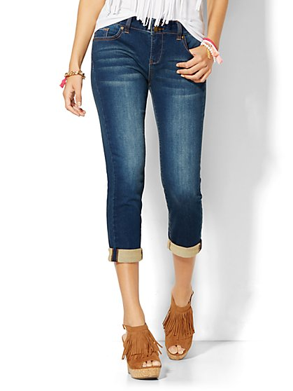 Soho Jeans Knit Boyfriend Crop - Undercover Blue Wash - New York & Company