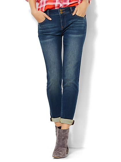 Soho Jeans Knit Denim - Relaxed Boyfriend - Pipeline Blue Wash - New York & Company