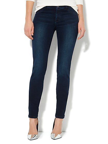 Soho Jeans Legging - Gentle Black Wash - Average - New York & Company