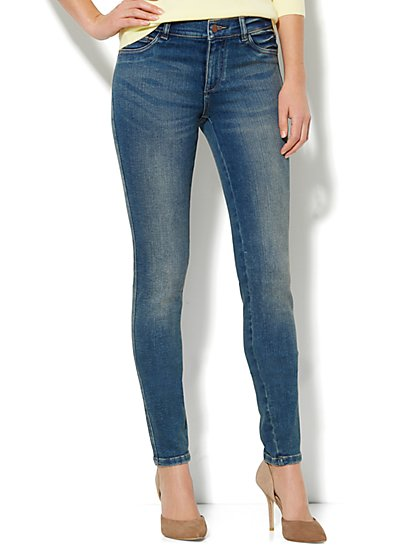 Soho Jeans Legging - Parade Blue Wash - Average - New York & Company