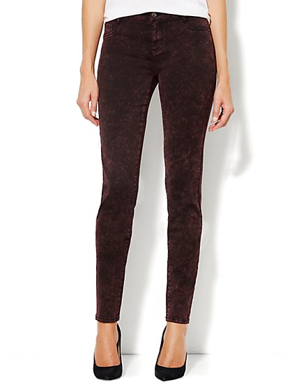 Soho Jeans Legging – True Burgundy - New York & Company