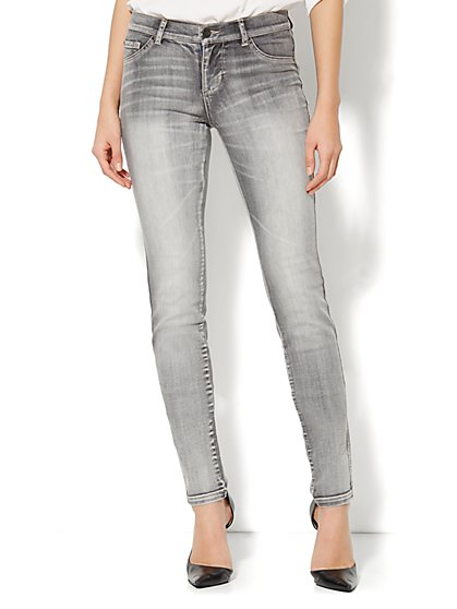 Soho Jeans Slim Leg- Starling Grey Wash - New York & Company