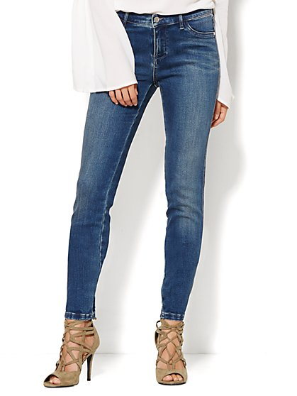 Soho Jeans - SuperStretch Legging - Driven Blue Wash - Petite  - New York & Company