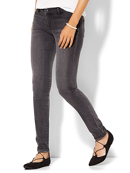 Soho Jeans - SuperStretch Legging - Milky Way Grey Wash - Petite  - New York & Company