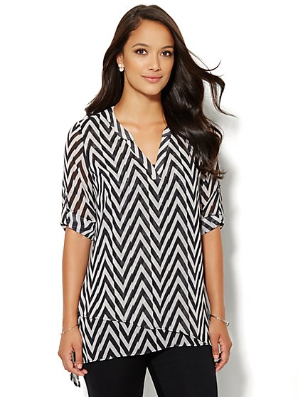 Soho Soft Shirt - Asymmetrical Tiered Tunic - Print - New York & Company