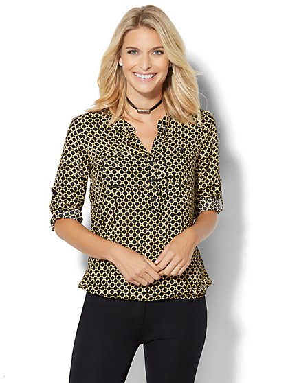 Soho Soft Shirt - Bubble-Hem Blouse - Grid Print  - New York & Company