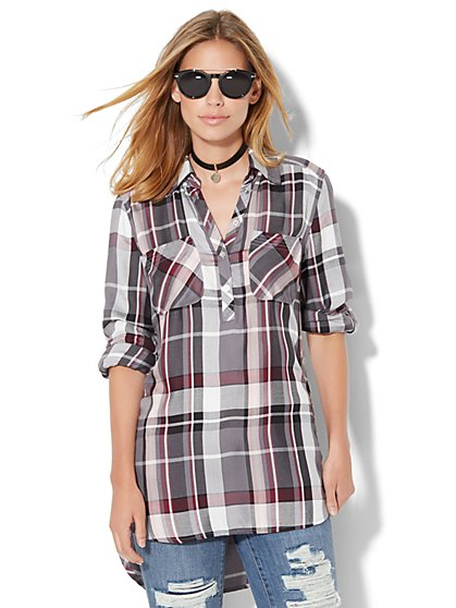 Soho Soft Shirt - Button Side Tunic - Plaid  - New York & Company