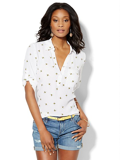 Soho Soft Shirt - One-Pocket Popover - Bumblebee Print  - New York & Company