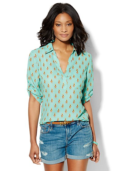 Soho Soft Shirt - One-Pocket Popover - Duckling Print  - New York & Company